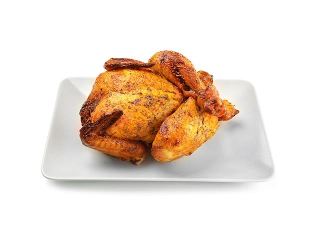 De plaat met geroosterd bier kan geïsoleerde kippen