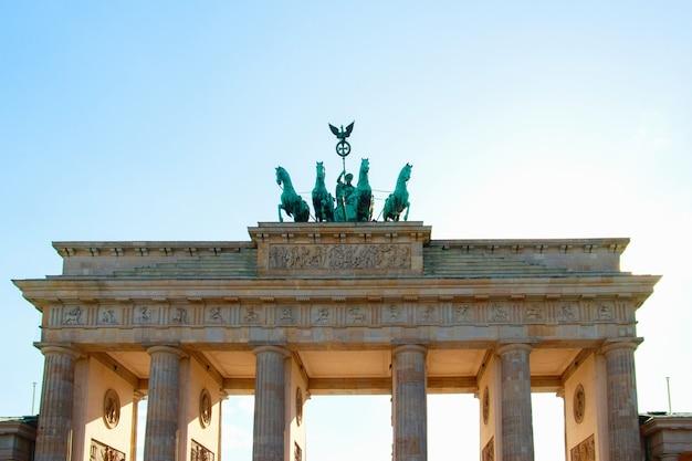 De poort van brandenburg in berlijn, duitsland