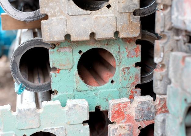 De poten van het falsework decking-systeem voor de constructie van zwevende platen van gewapend beton