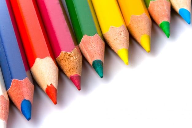 De potlodenclose-up van de kleur op wit