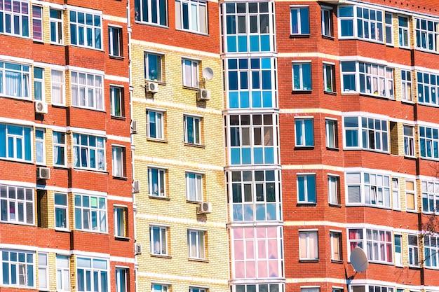 De ramen in het grote huis