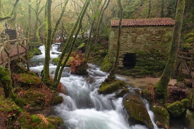 De rivier valga is een rivier van de provincie pontevedra, galicië, spanje.