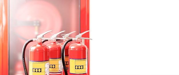 De rode brandblusser is klaar voor gebruik in geval van een binnenbrand.