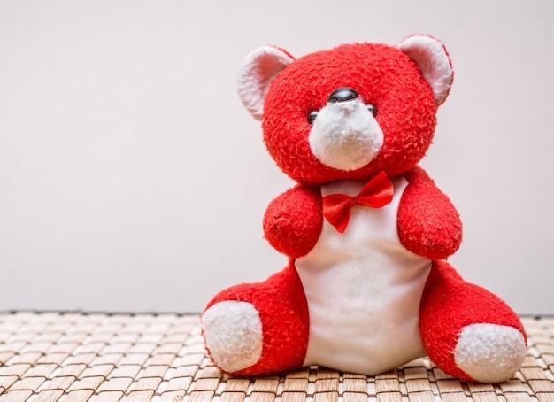 De rode teddybeer
