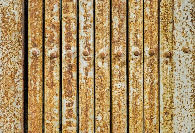De rustieke staaldeuren sluiten omhoog textuur.