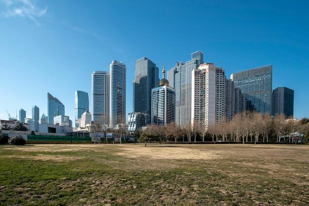 De skyline van architecturaal landschap van qingdao seaside city