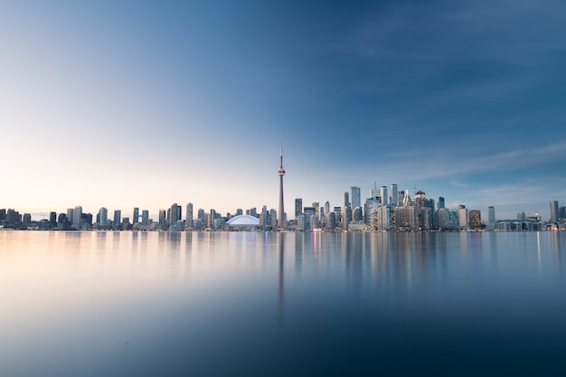 De skyline van de stad toronto, ontario, canada