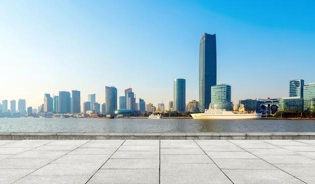 De skyline van de stad van shanghai