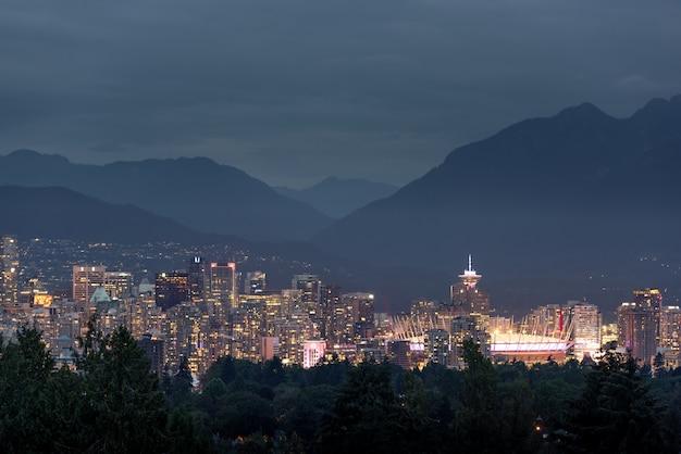 De skyline van de stad van vancouver, british columbia, canada