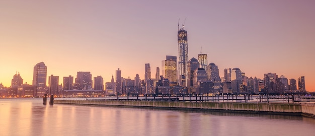De skyline van new york city, verenigde staten