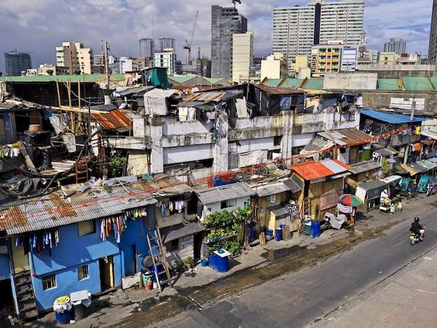 De sloppenwijken van de stad manilla in de filippijnen