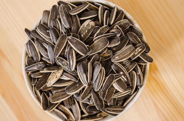 De snack van zonnebloemzaden voor onderbrekingstijd