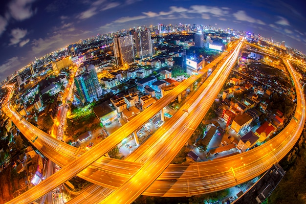 De snelweg van bangkok en weg hoogste mening, thailand