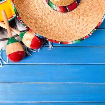 De sombrero cinco de mayo houten achtergrond van mexico