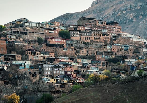 De stad op de rots. authentiek dagestan bergdorp