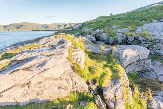 De steenhoop op het noordelijkste punt van het eiland mageroya, noorwegen