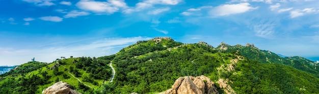 De steile top van de berg fushan in qingdao
