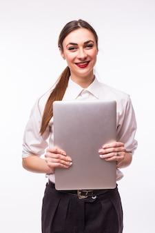 De succesvolle bedrijfsvrouw bevindt zich op wit.