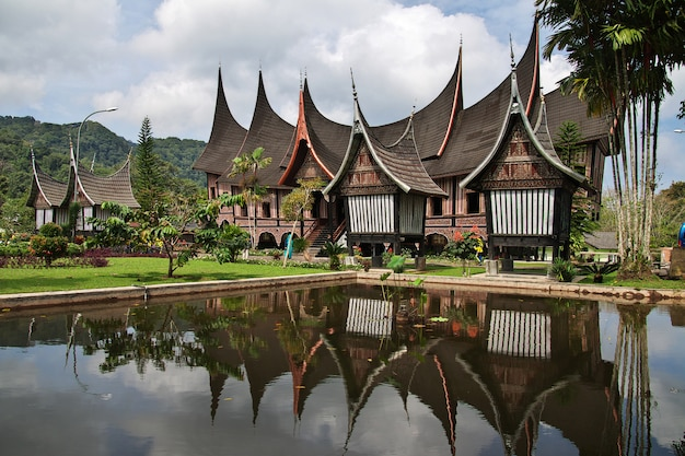 De tempel op het eiland sumatra, indonesië
