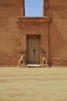 De tempel van amun in de woestijn van soedan