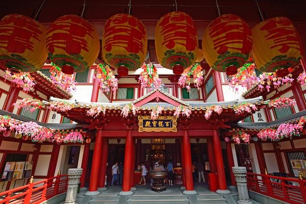 De tempel van het de tandoverblijfsel van boedha in china town singapore