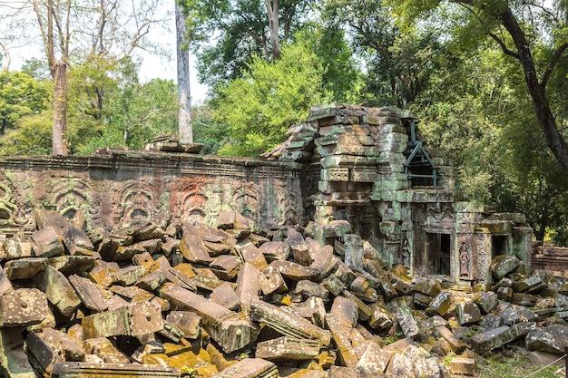 De tempelruïnes van ta prohm in angkor wat in siem oogsten kambodja