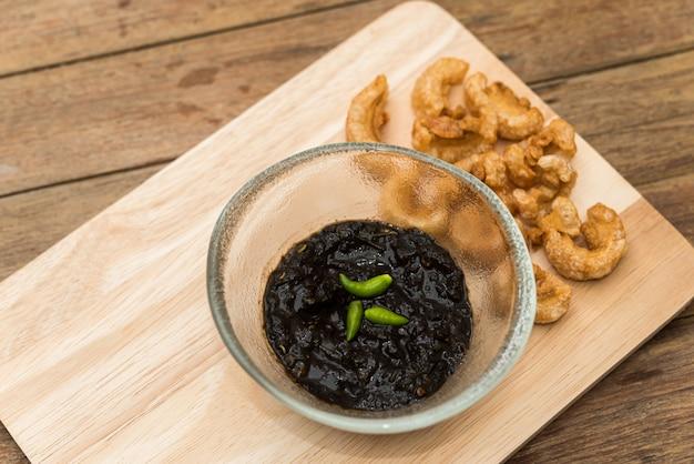 De thaise noordelijke saus van de de spaanse peperspeper van het krabdeeg