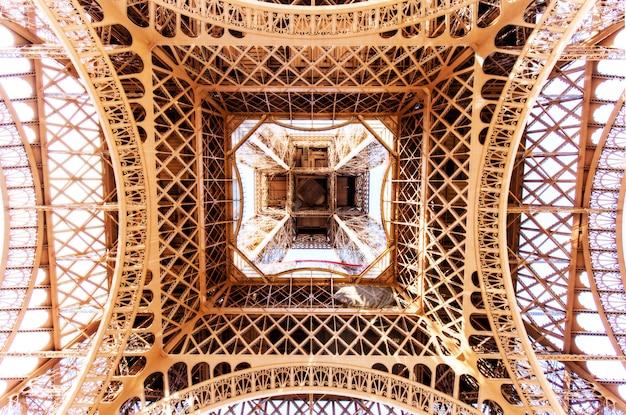 De torenmening van eiffel van hierboven in parijs