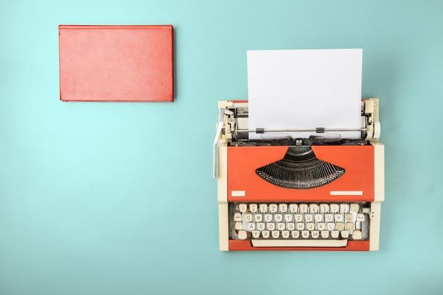 De typemachine en het boek