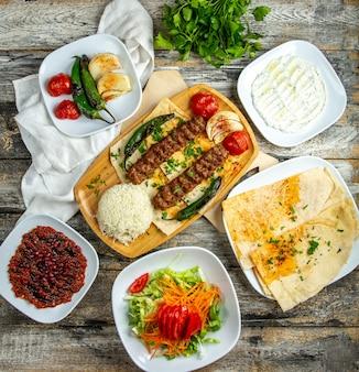 De ui van de de pepertomaat van lula kebab maakt kwark hoogste mening groen