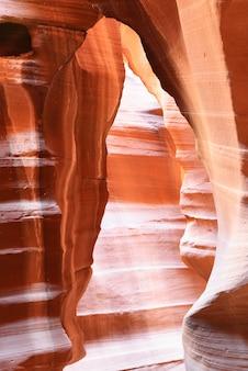 De upper antelope canyon, page, arizona, vs. de tweede editie met het uitgebreide assortiment