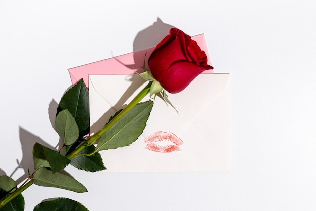 De valentijnskaarten namen met enveloppen en exemplaarruimte toe