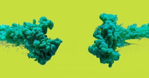 De verf van het aquamarijn betrekt grenskader dat op abstracte geel wordt geïsoleerd.