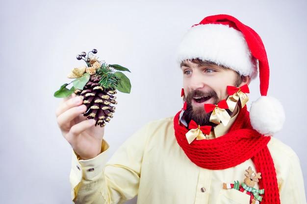 De versierde baard van de kerstman