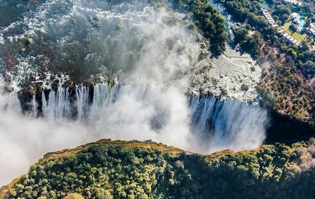 De victoria falls is het grootste watergordijn ter wereld