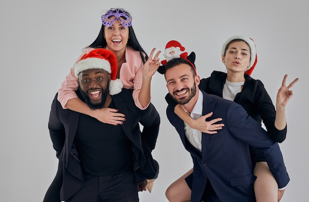 De vier zakenmensen die kerst vieren
