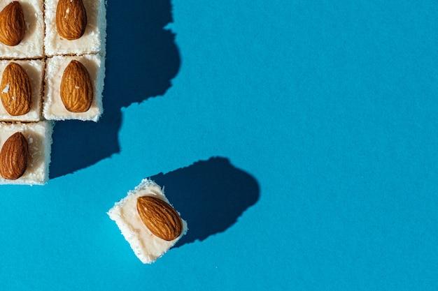 De vierkante turkse snoepjes van verrukkingslokum sluiten omhoog