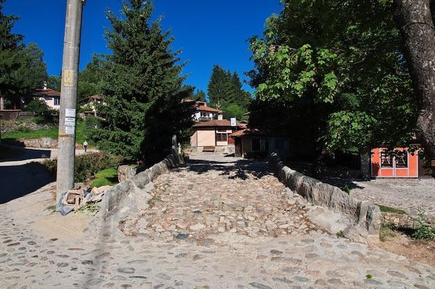 De vintage straat in koprivshtitsa bulgarije