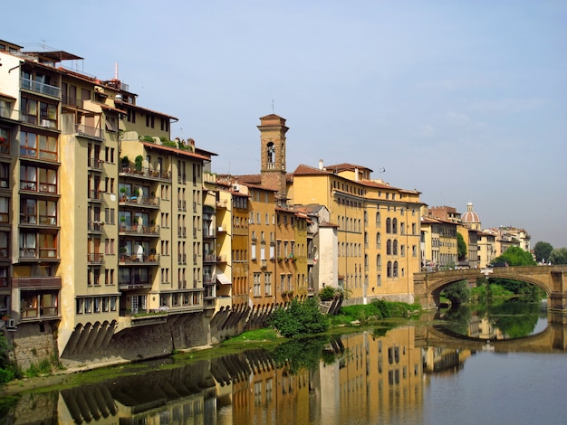 De vintage waterkant in florence, italië