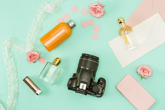 De vrouwelijke persoonlijke items op het bureaublad