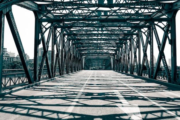 De waibaidu-brug in shanghai