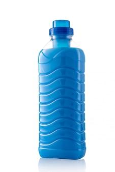 De wasverzachter van de stof (fles reinigingsvloeistof, shampoo) die op wit wordt geïsoleerd