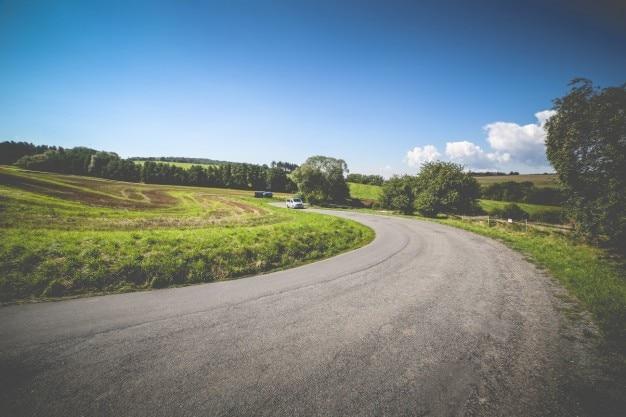 De weg en het busje