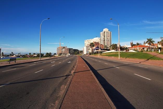 De weg in montevideo, uruguay