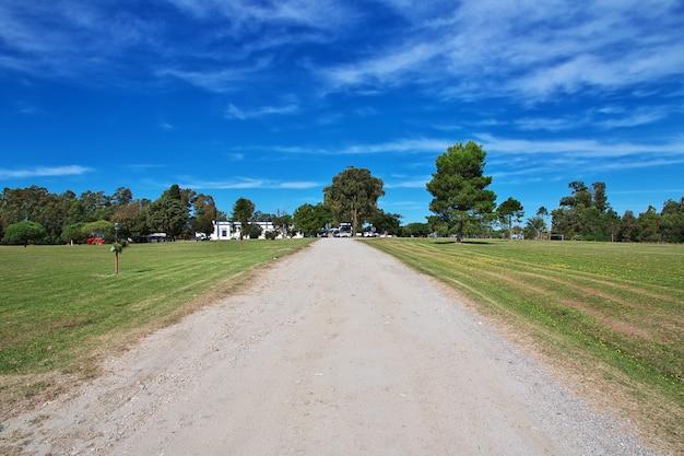 De weg naar colonia del sacramento, uruguay