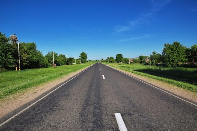 De weg op wit-rusland land