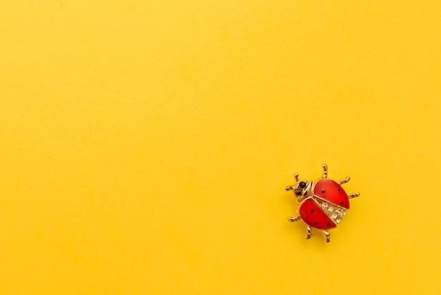 Decoratie lieveheersbeestje. kopieer ruimte