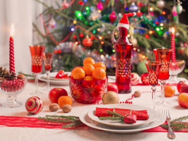 Decoratie van de kersttafel