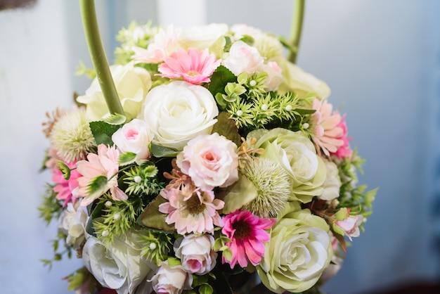 Decoratie van huwelijksbloemen