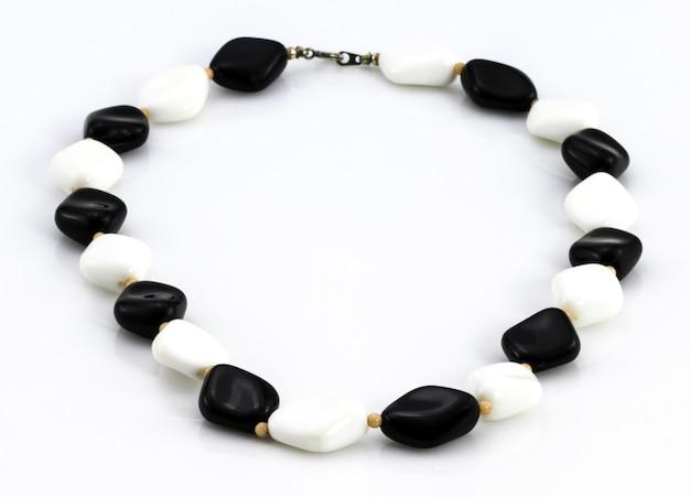 Decoratie van kralen zwarte en witte stenen plastic retro kralen